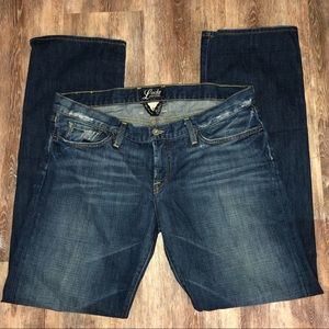 Lucky Brand the Riley jean lightly distressed 12